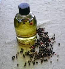 100% Pure Natural Pepper Black Essential Oil