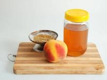 Export Quality Peach Kernel Oil