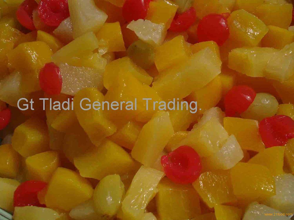Консервированные фрукты, консервы, половинки персиков в сиропе