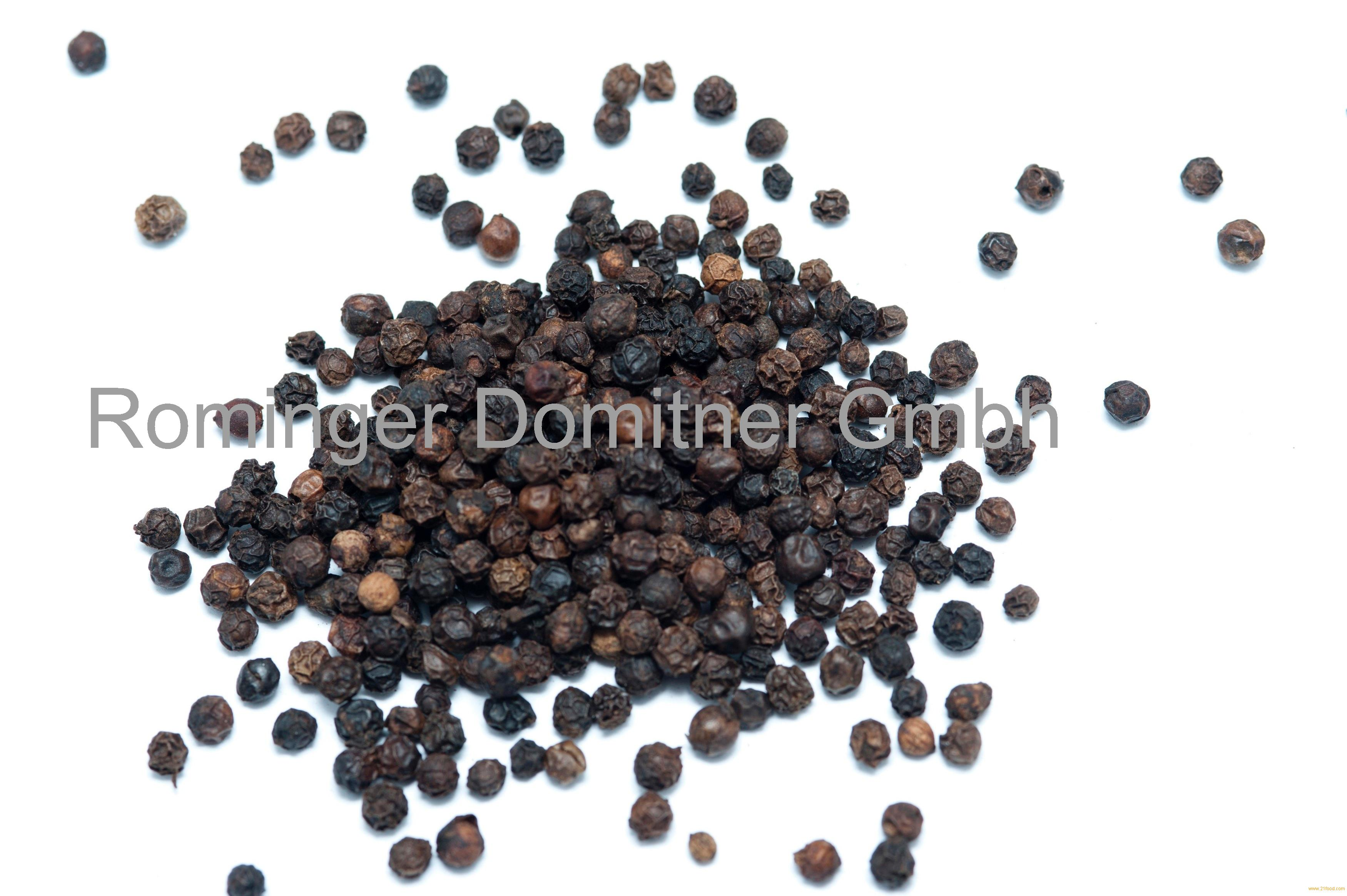 White And Black Pepper (Spices)