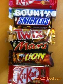 snickers, Twix, Bounty, Mars, Kinder Bueno, M&M, Lion bars, Kat kit