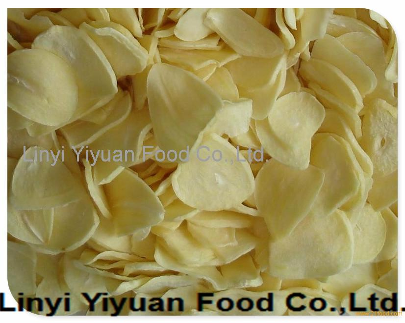 Shandong manufacturers new crops natural dried dehydrated garlic flakes wholesale