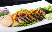 vegan fish/vegetarian fish/vegetarian meat alternative/frozen meat