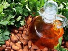 Almond nut / Almond oil