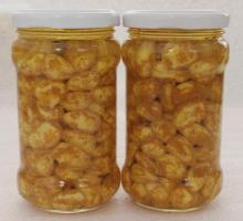 canned garlic in oil with curry powder / garlic with curry taste/ curry ingredient