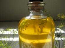 Dill Seed Oil in Bulk Wholesale Natural Herbal Essential Oil