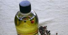 Black Pepper Essential Oil in Bulk Wholesale black pepper oil