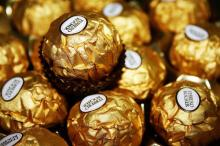 Hot Sale! 24 Pieces Boxed 300G of Ferrero Rocher Chocolates Thanksgiving Gift