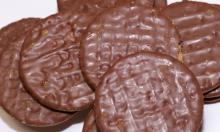 chocolate biscuits with sweet taste