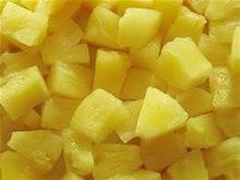 Canned pineapple chunk