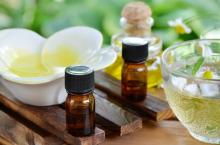 100% natural pure tea tree oil