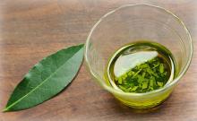 pure essential bay leaf oil