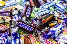 Snickers, Mars, Bounty Twix, Kitkat, Kinder Joy & Surprise, Nutella, Ferrero Rocher, Kinder Chocolat