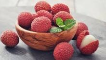 best quality Fresh litchi fruits for sale at cheap price