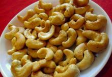 BEST,.. QUALITY CASHEW NUTS FROM THAILAND
