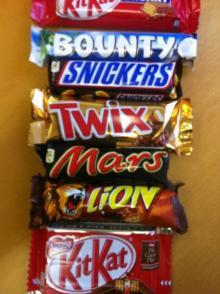 snickers ,  Twix , Bounty, Mars, Kinder Bueno, M&M, Lion bars, Kat kit