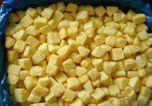 IQF frozen pineapple cubes