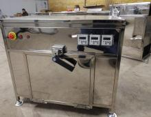 Small high-power large-capacity commercial microwave oven for hotel snack bar