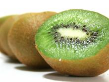 Organic fresh Kiwi fruit now available on sale. 30% discount