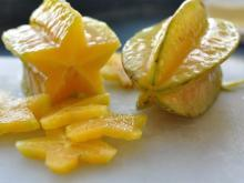 Fresh Star Fruit now Available on Sale . 30% Discount