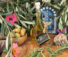 100ml Organic Olive Oil in Gisco White glass bottle.